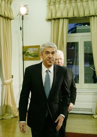 3 de Maio de 2011 – O primeiro-ministro revela, num discurso, que já chegaram a acordo com as instituições internacionais sobre o pedido de ajuda financeira. O valor do envelope financeiro ascende a 78 mil milhões de euros.